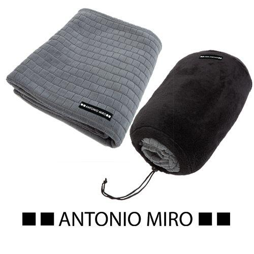 Manta polar Antonio Miro