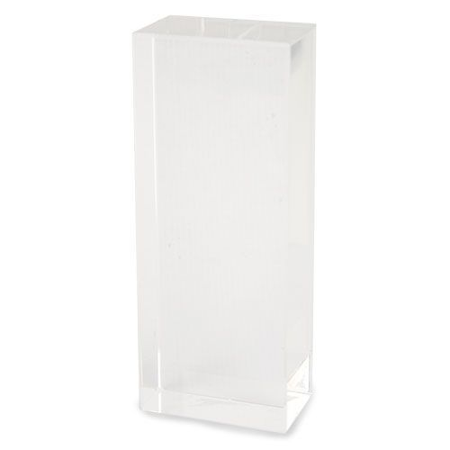 Trofeo de cristal en forma de torre.