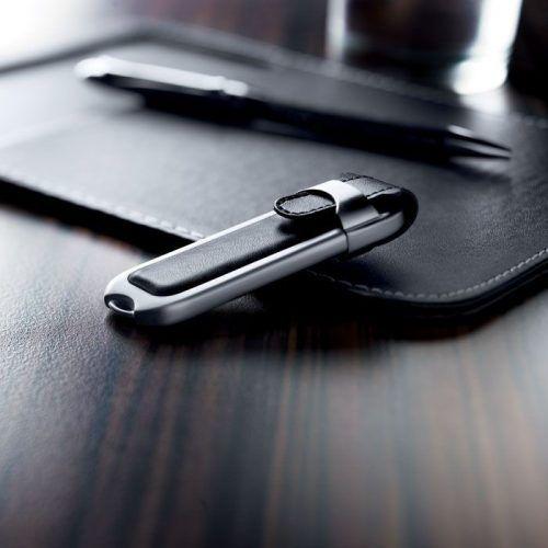 Memoria USB aplicaciones en piel