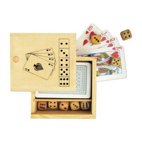 Juego de cartas y dados.