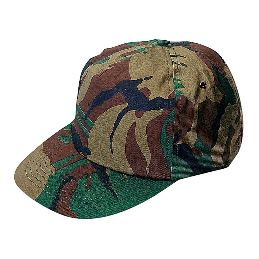 Gorra de 5 paneles personalizada, diseño  camuflaje. Con orificios de ventilación bordados y cierre ajustable de velcro